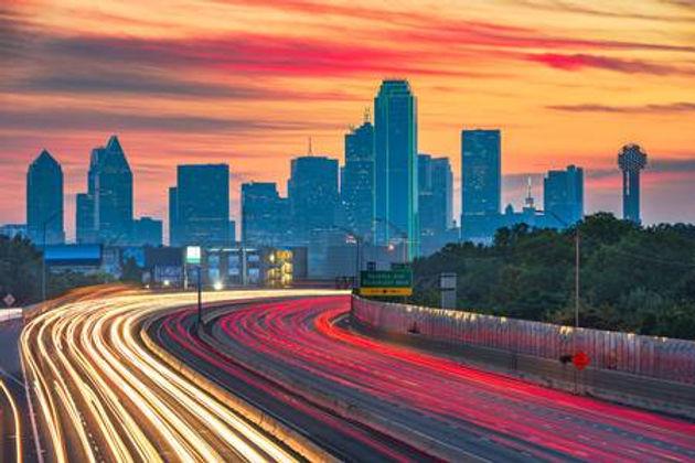 118218751-dallas-texas-usa-downtown-skyl