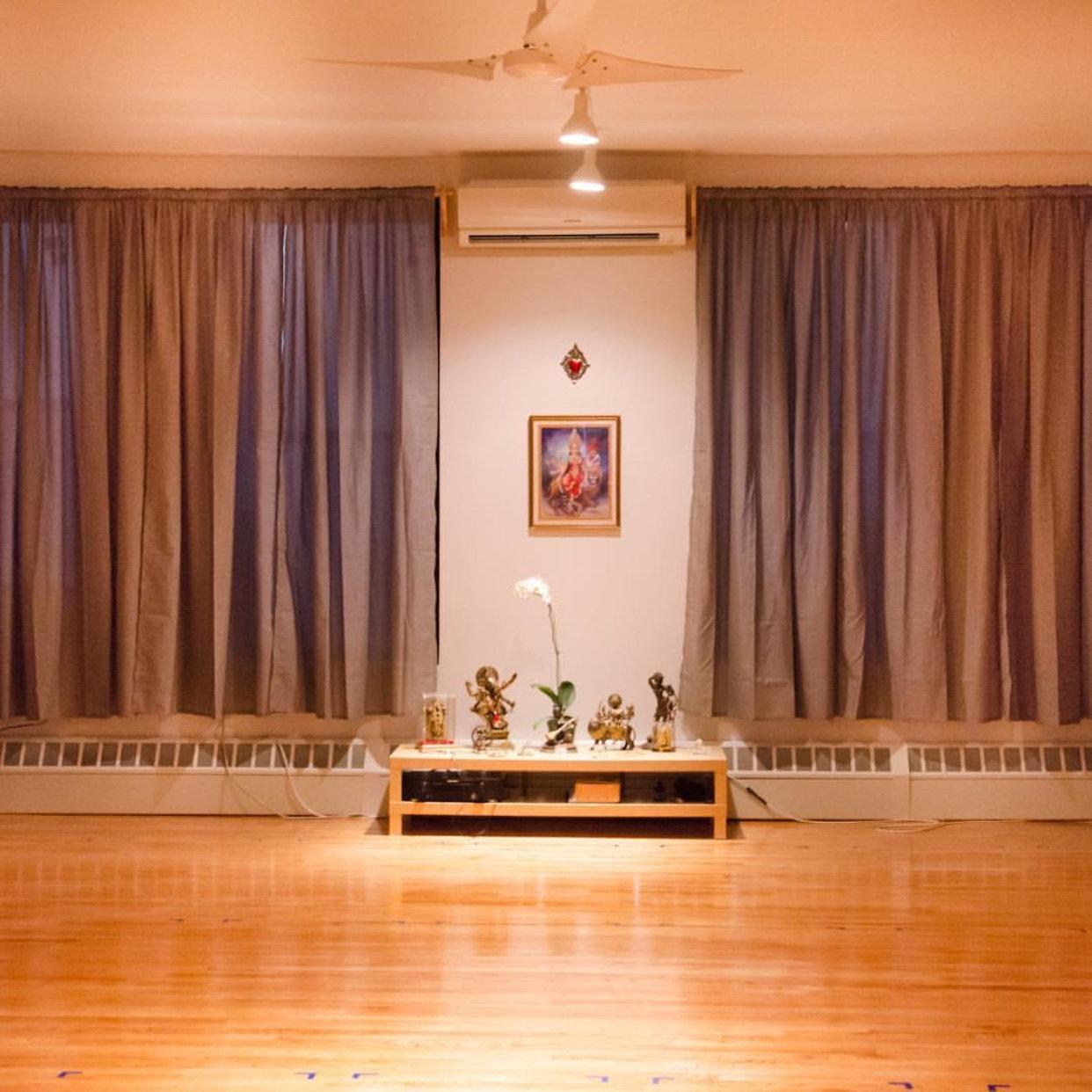 YogaLoveNY - Chandra Studio