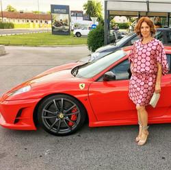 Barbara v obleki MJZ Fashion