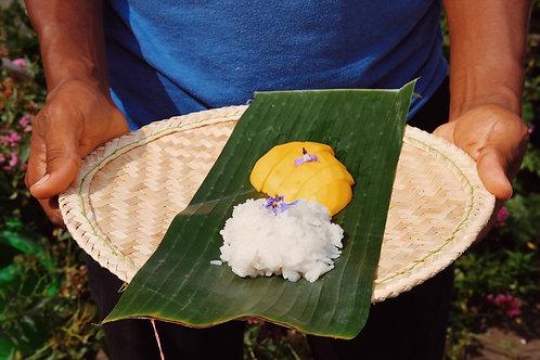 Kao Naew Ma Muang (Coconut sticky rice w/ mango)
