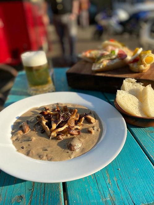 Czech meal [vegetarian option]