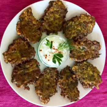 Mucver (courgette fritters)