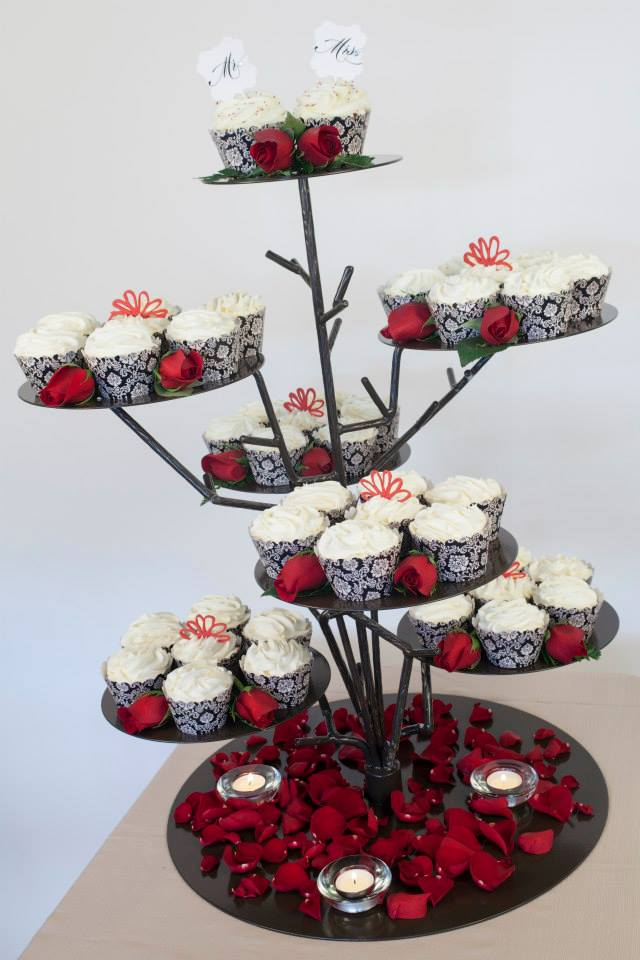 Red and Black themed wedding