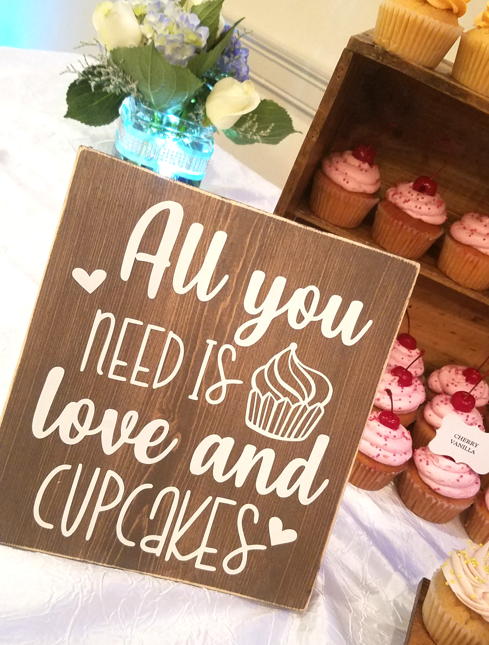 Love & Cupcakes