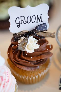 The groom's cupcake!