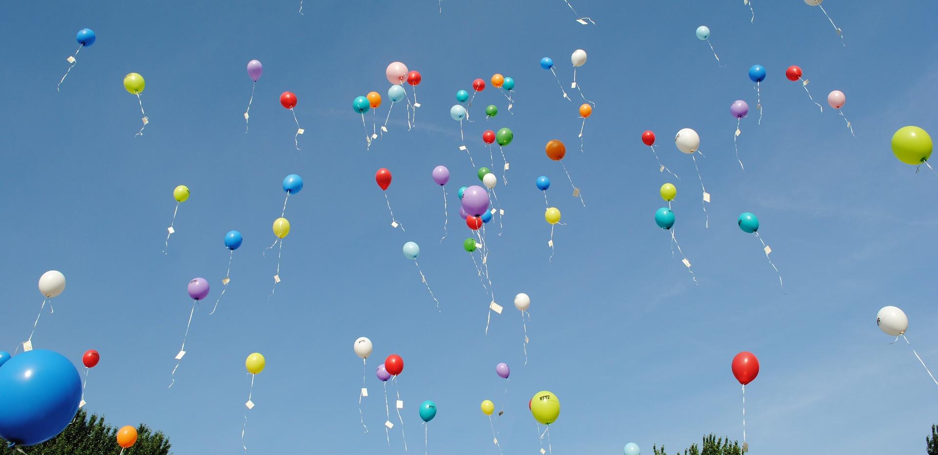balloons-1012541_1920.jpg
