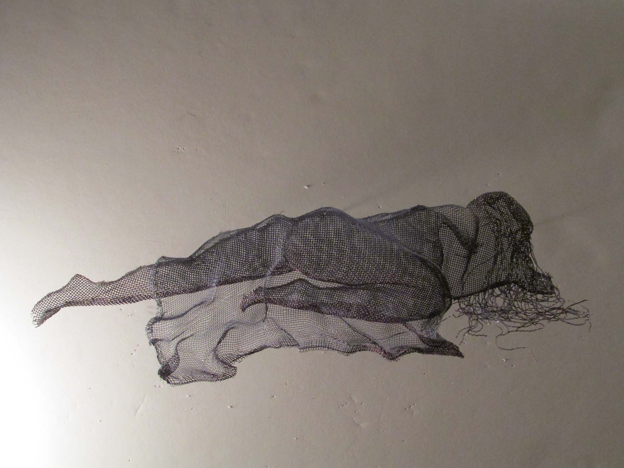 wire mesh art reclining figures