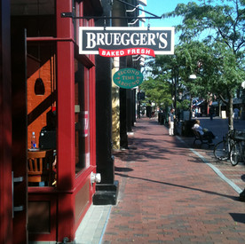 Brueggers Bagels on Church Street Marketplace