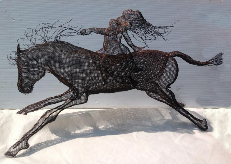 wire mesh sculpture horse