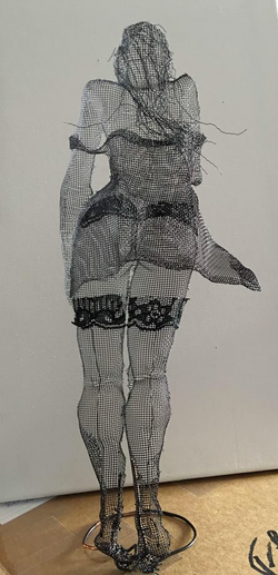 wire mesh sculpture moulin rouge