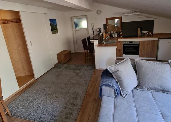 Zimmer1_4 L.jpg