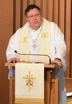 Pastor Jeffrey Bovee