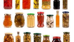 Retirer les étiquettes des bocaux naturellement