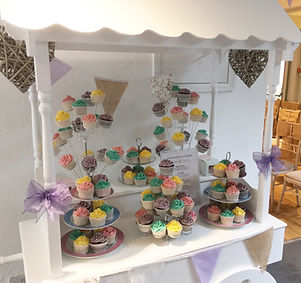 Cupcake cart available for hire for weddings in Devon & Torbay.