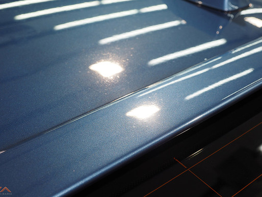 """Restoring the glory of a BMW M5 through paint rejuvenation and Skinz """"Glassjacket Pro"""" Coa"""