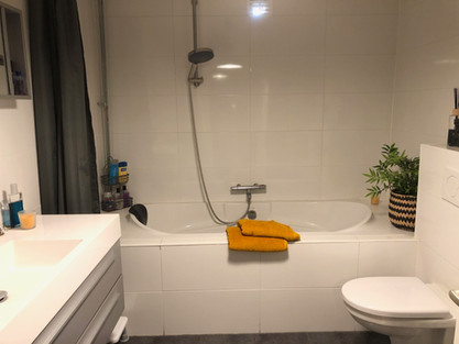 Fijn ligbad in de badkamer