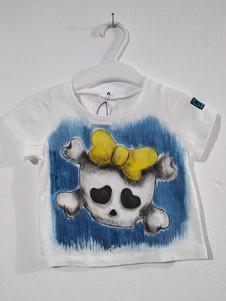 Teschio fiocco giallo t-shirt dipinta a