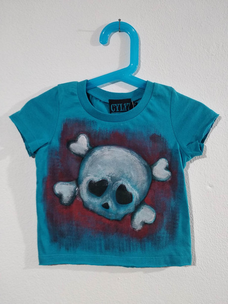 Teschio con ossa t-shirt dipinta a mano