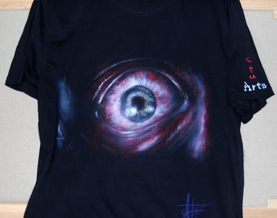 Resident Evil T Shirt disegnata e dipint