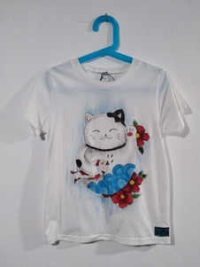 Maneki Neko con pesce t-shirt dipinta a