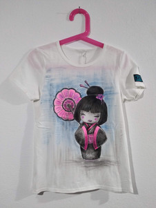 Mini Geisha con ombrello t-shirt dipinta