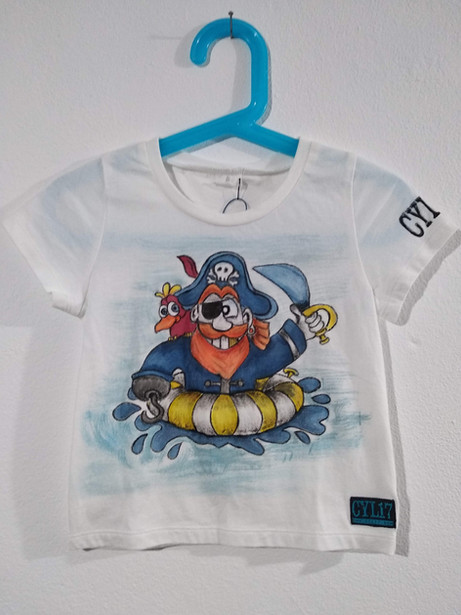 Pirata t-shirt dipinta a mano bianca (1)