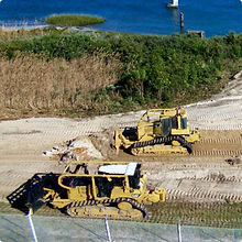 Constuction Equipment Leveling Sand by Water