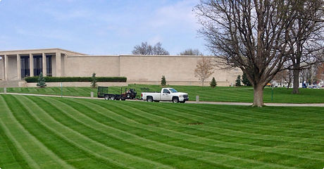 quality operations and maintenance lawn and grounds services