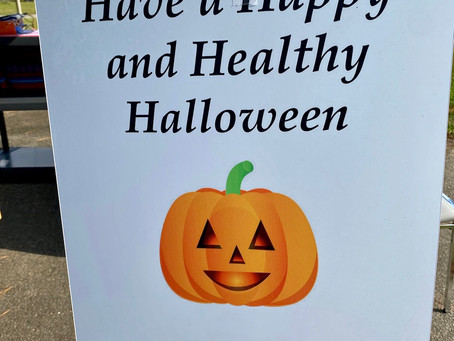 10/16 - Rotarians partner with ECCO and BCCOC to deliver a Healthy Halloween