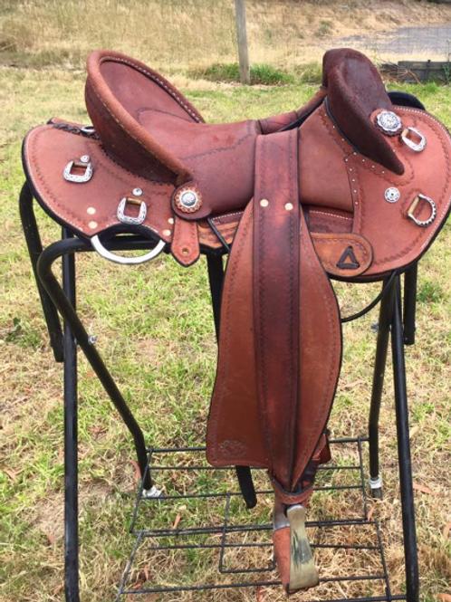 Saddles - Stock / Fender, half seat