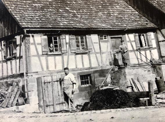 3. Unser Elternhaus in Vogelsberg zu uns