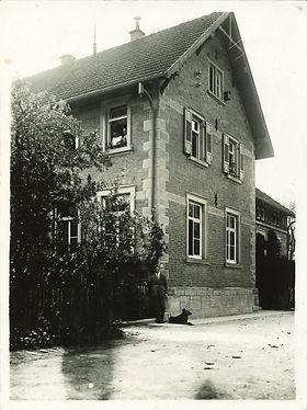 erstes Foto der Schule1930.jpg