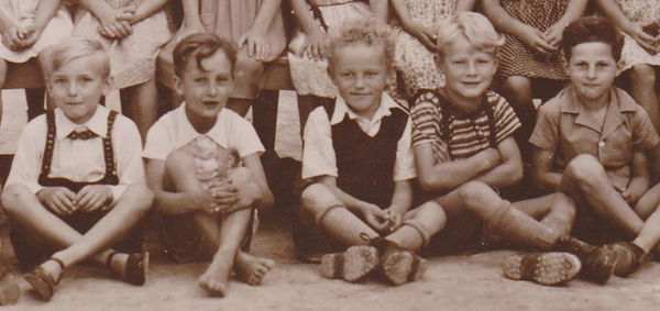 Ausschnitt Schulfoto 1948.jpg