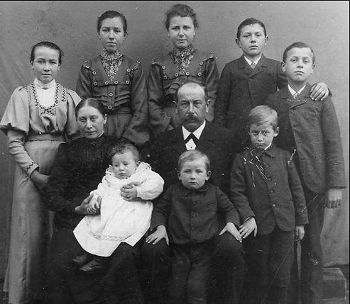 Familie 1905.jpg