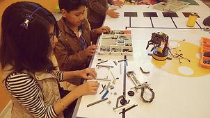niños en robotica con lego