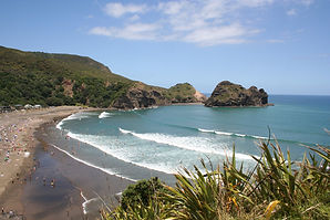Surfing at Piha Beach and nearby