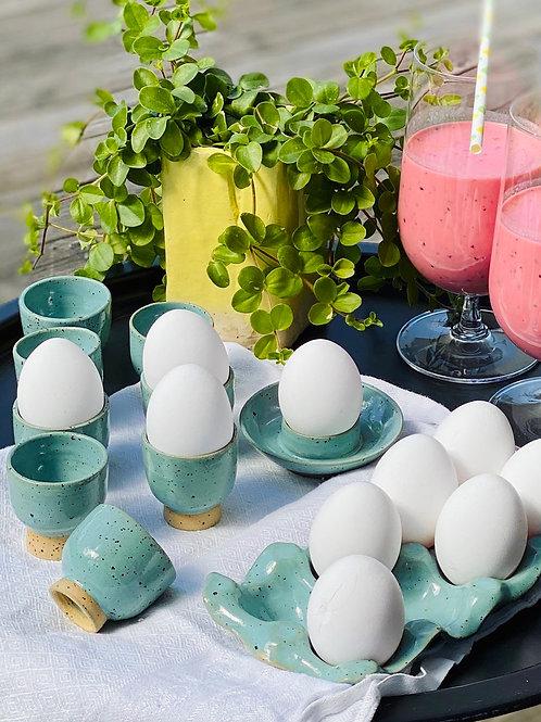 Ägg kopp på fot Turkos prickig