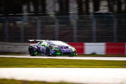 Niels testing Lamborghini Supertrofeo To