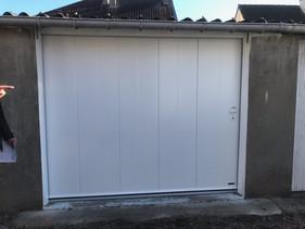 Portes de garage sectionnelles latérale posée à   Sotteville-Lès-Rouen, de chez Aludoor