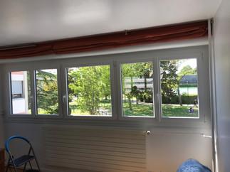 Fenêtres PVC blanc, profil DECEUNINCK posées à Mont Saint Aignan, de chez Cap Isoplas