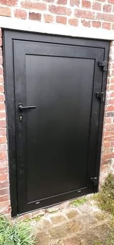 Porte en aluminium posée à Déville-Lès-Rouen, de chez Cap Isoplas