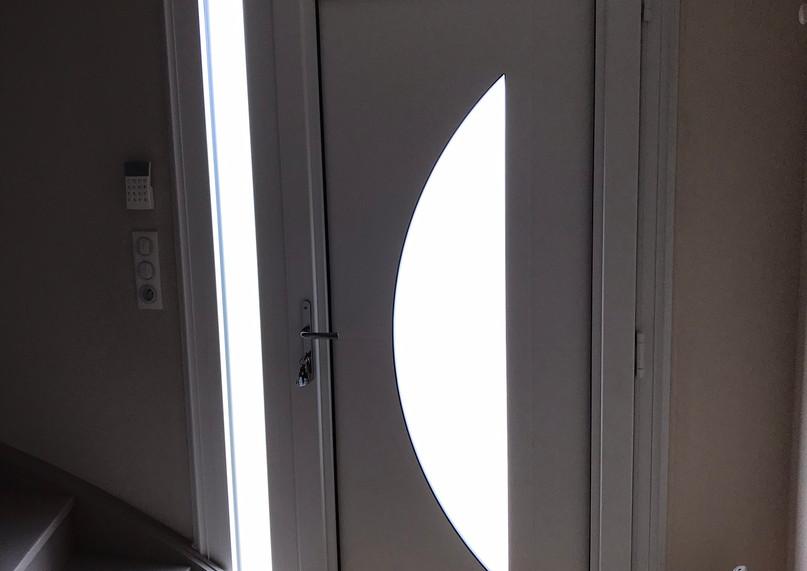 Porte d'entrée PVC de profil DECEUNINCK posée à Sotteville-Lès-Rouen