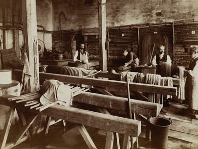 Il tipico comunardo è un operaio parigino di circa trent'anni