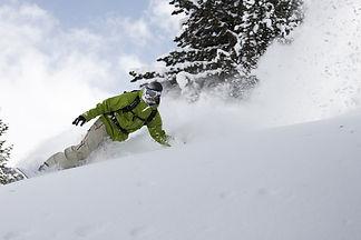 Snowboarder-in-powder-35-1420152463.jpg