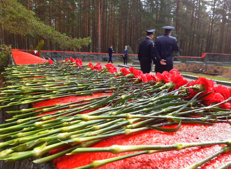 Reburial ceremony of 7 Soviet soldiers
