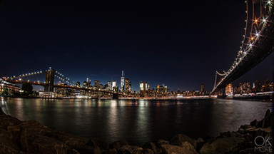 Travel photography destination New York: city landscape skyline night brooklyn manhattan bridges