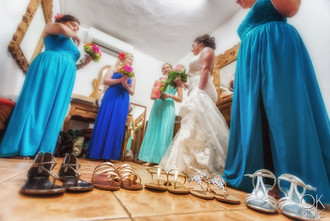 Wedding photography: getting ready bride and bridesmaids shoes