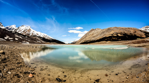 Travel photography, destination Canada Rockies, lake and mountains