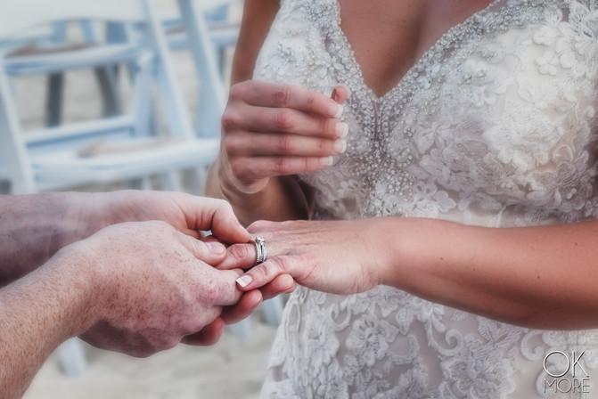 Wedding photography: ceremony, altar on the beach, caribbean ocean, rings