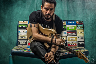 Commercial photography: musician studio portait session, Marlon Bacort guitar player